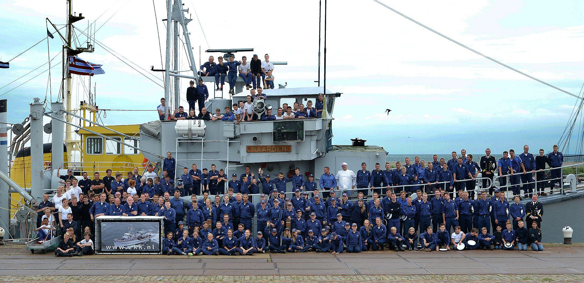 Groepsfoto van alle deelnemers aan het landelijk zomerkamp in 2015.