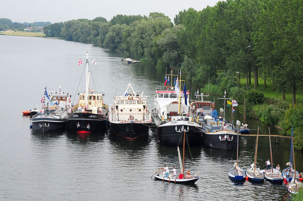 Inland summercamp with five units and their ships. (Photo: Ted Gijsman)