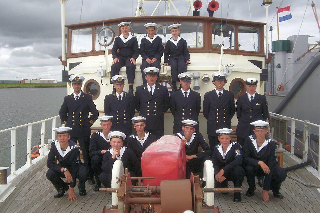 Het Zeekadetkorps Den Helder op het korpsschip Lacomblé.