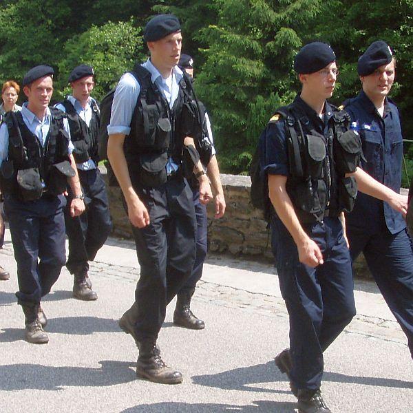 Adelborsten aan het trainen voor de vierdaagse van Nijmegen