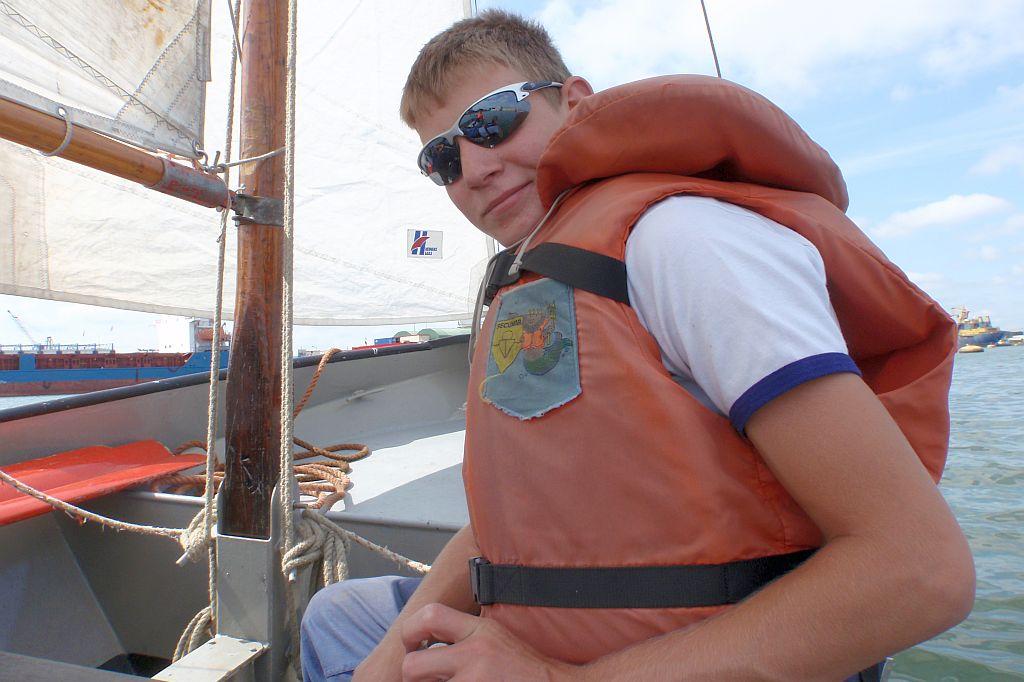 Pascal Vlug heeft bij de zeekadetten een zeildiploma behaald.