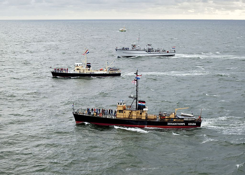 Three see-going seacadet ships from the Netherlands to the UK. (Aerial photo: www.flyingfocus.nl)
