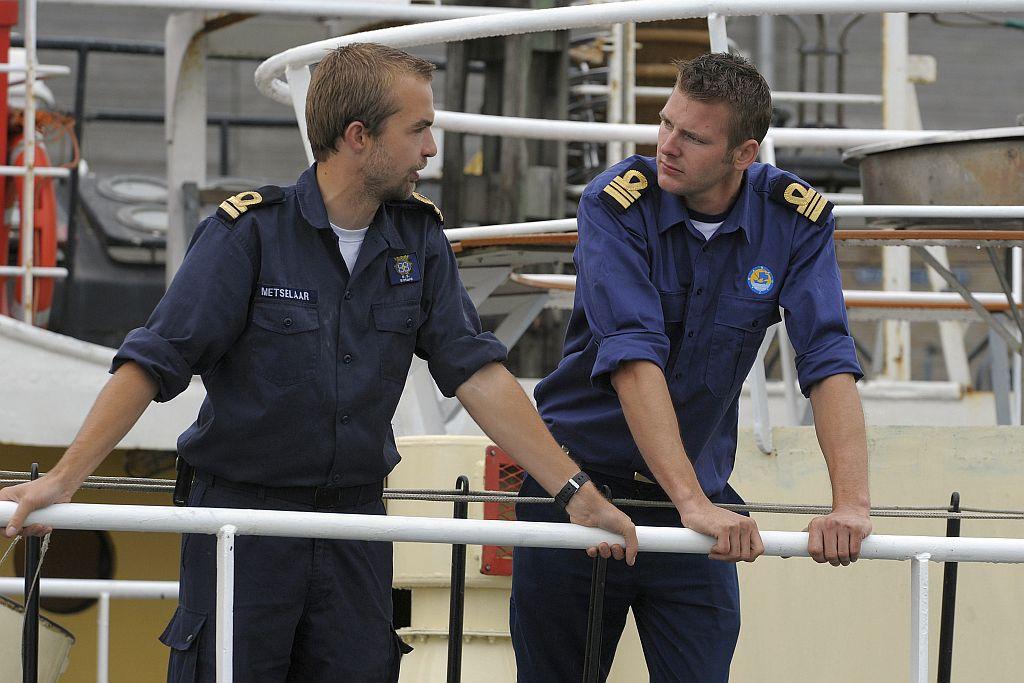 Harmen Engel (rechts) is op 1 maart 2015 benoemd tot commandant van het Zeekadetkorps Gouda en bevorderd tot Zeekadetofficier 1e klasse.