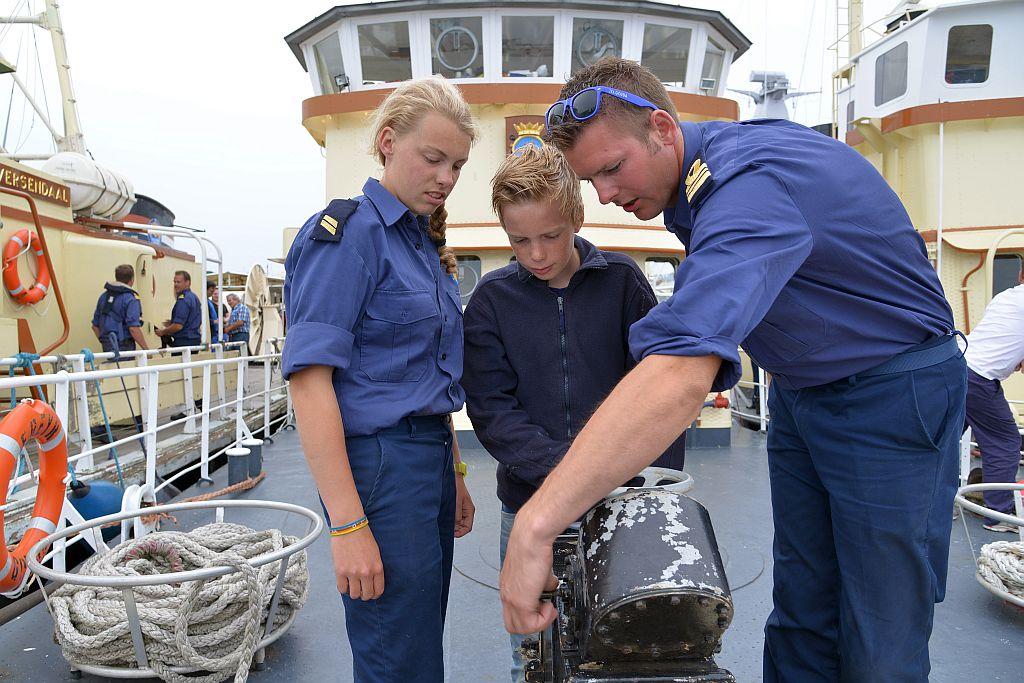 Met zijn ervaring in het korps en in de binnenvaart kan Harmen Engel de zeekadetten veel leren.