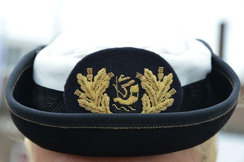 Petembleem van een vrouwelijke officier